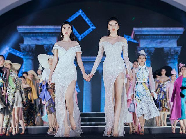 Hoa hậu Mỹ Linh, Kỳ Duyên đẹp như tạc tượng, nắm tay cùng catwalk