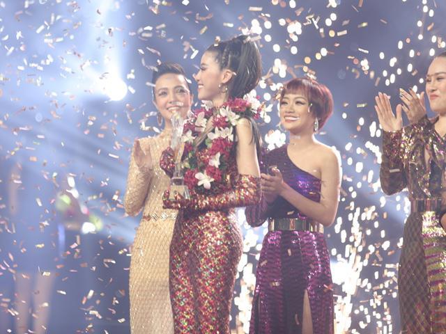 Học trò xinh đẹp của Noo Phước Thịnh vô địch The Voice, đội Thu Phương - Lam Trường thất thế