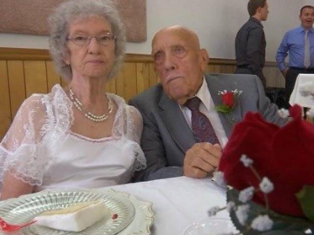 Tâm sự xúc động của chú rể 95 tuổi làm đám cưới với cô dâu 81 tuổi