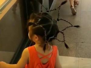 Các mẹ rủ nhau tết kiểu tóc lạ cho con đi học, bé sẽ nổi bật nhất trường