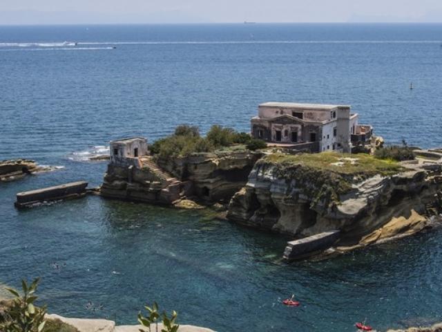 Vì sao đây là 5 hòn đảo kỳ lạ bậc nhất thế giới?