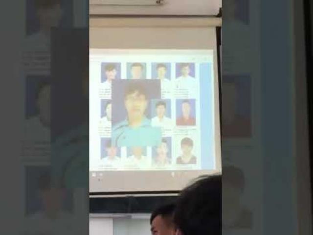 Điểm danh bá đạo bằng ảnh thẻ, thầy giáo đã khiến sinh viên không dám cúp học buổi nào