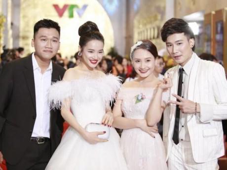 Trước đám cưới, Nhã Phương xuất hiện đẹp rạng rỡ trong đêm trao giải VTV Awards