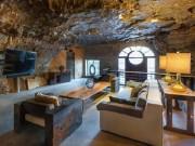 Choáng váng trước căn hộ nằm giữa lòng hang động, rộng 500m2, giá bán lên tới ngàn tỷ đồng