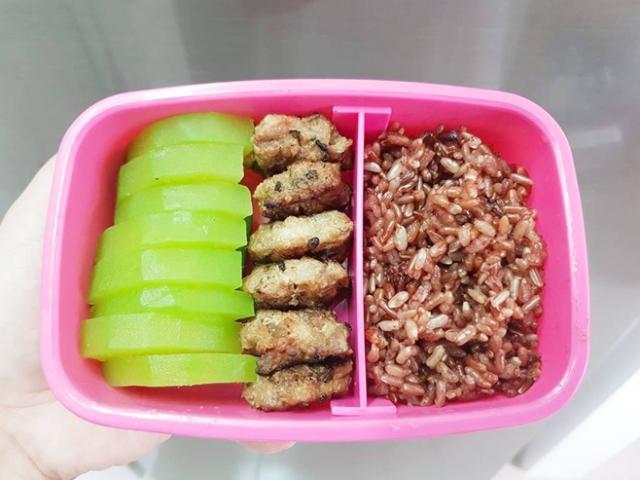 9x khoe những bữa cơm tự nấu ngon, cả tháng không trùng món nào, lại giảm 2kg trong 3 tháng