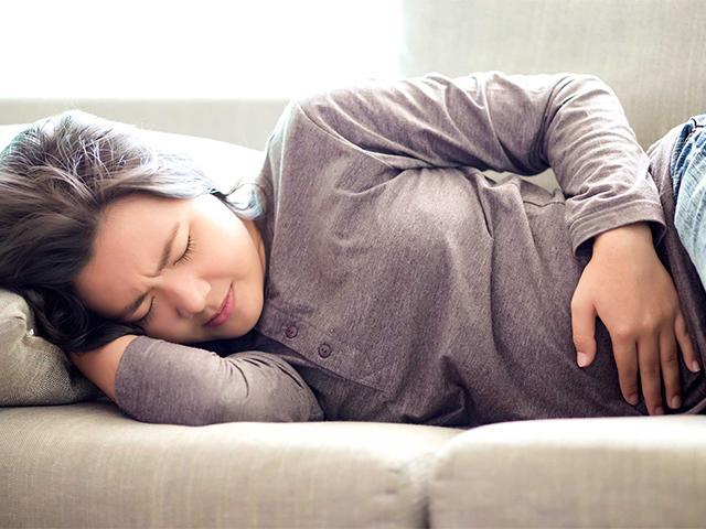 Chuyên gia Đông y tiết lộ cách chữa đau bụng kinh chị em nên biết