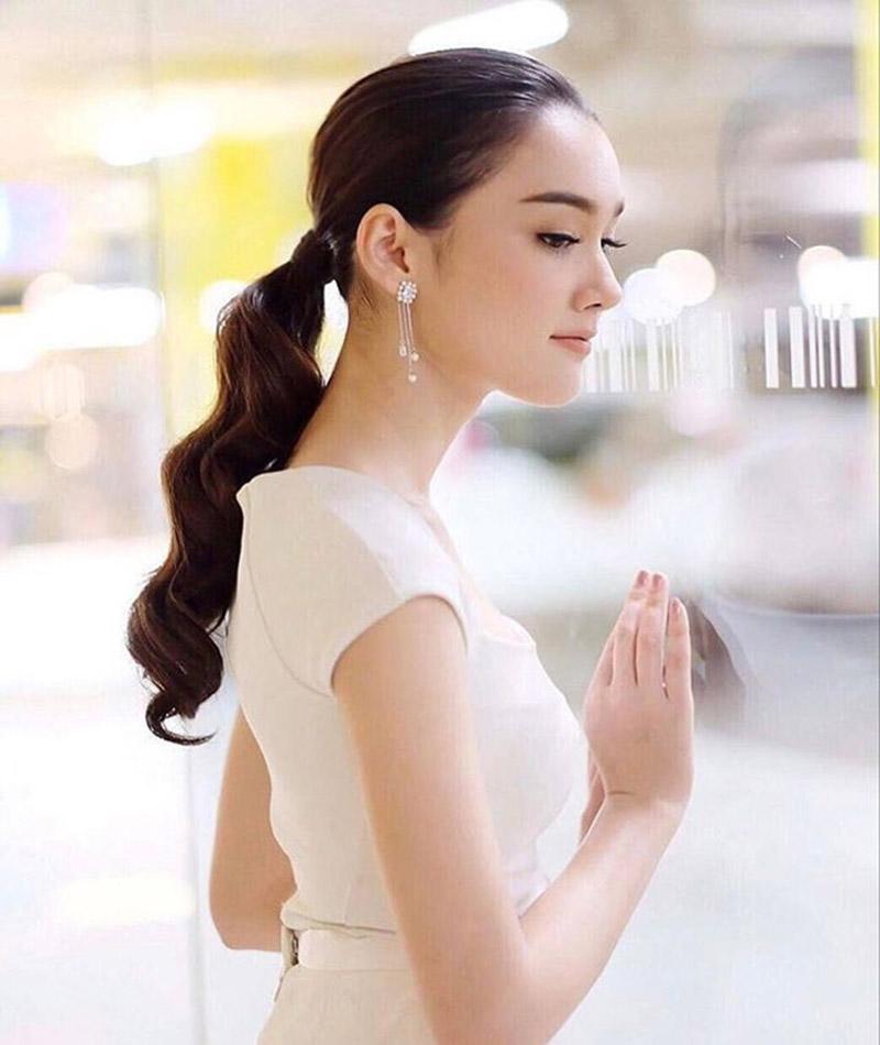 Diana Flipo là người đẹp lai Thái, Pháp.