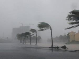 """Bão số 5 giật cấp 10 có thể đổ bộ Quảng Ninh-Nam Định, """"nín thở"""" chờ siêu bão Mangkhut"""