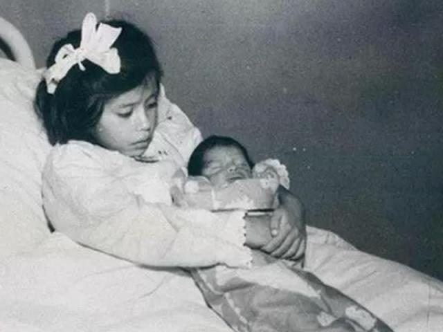 Bí ẩn về ca sinh nở kỳ lạ nhất thế giới, sản phụ sinh con khi mới 5 tuổi