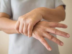 Bệnh Parkinson là gì? Những điều cần biết về căn bệnh nguy hiểm này