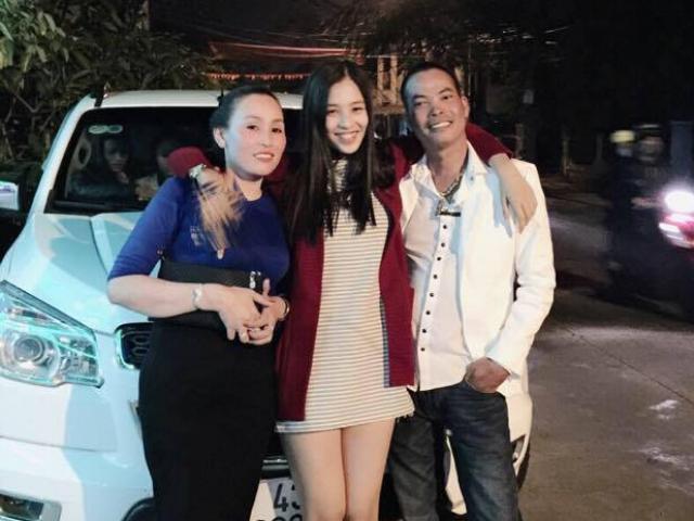 Bố mẹ tân Hoa hậu Tiểu Vy gây sốt bởi trẻ trung, chất chơi gấp mấy lần con gái