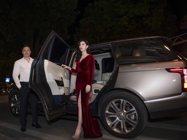 Vợ chồng Hoa hậu Áo dài Phí Thùy Linh trốn 2 con đi dự tiệc như thời son rỗi