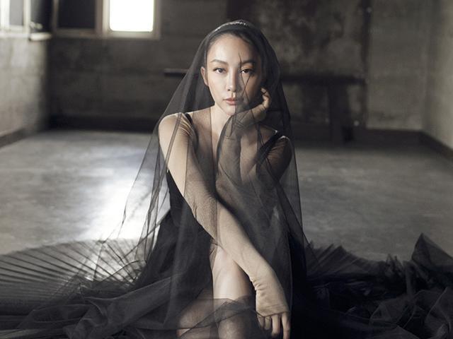 Lâu lắm rồi mới thấy Linh Nga đẹp hút hồn trong trang phục vũ công ba lê