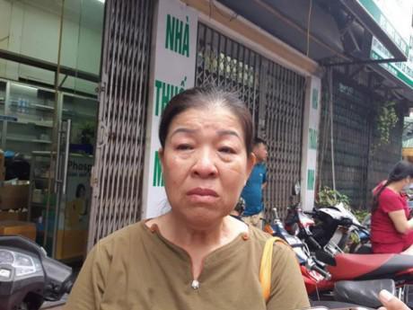 Vụ cháy lớn gần viện Nhi: Xót xa cảnh bà 60 tuổi, ôm cháu mắc ung thư ngủ vỉa hè