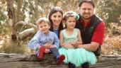 """Bị ung thư phổi nhưng bác sĩ """"bó tay"""", mẹ 2 con lập kỳ tích sau 2 tháng điều trị"""