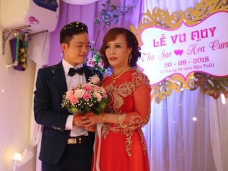 """Tin tức - Cận cảnh đám cưới có """"1-0-2"""" của cô dâu 62 tuổi lấy chồng 26 tuổi ở Cao Bằng"""