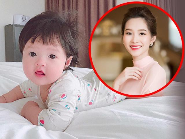 HOT: Hoa hậu Đặng Thu Thảo lần đầu khoe ảnh cận mặt con gái má phúng phính, da trắng ngần