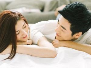Mẹo nhỏ cho các cô vợ khiến chồng chỉ biết yêu say đắm, nửa bước không rời