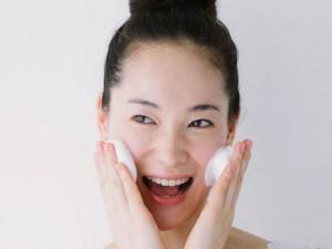 Là con gái không biết cách chăm sóc da mặt thì đừng hỏi tại sao... vẫn ế