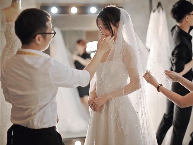 Trước lễ cưới cùng theo chân Nhã Phương đi thử loạt váy cưới cổ tích