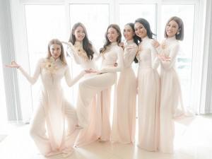 Đám hỏi Lan Khuê: Dàn phù dâu toàn chân dài đình đám, mặc áo dài trắng tuyệt xinh