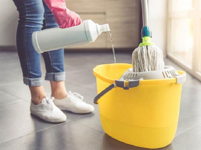 Cách làm nước lau sàn tại nhà vừa thơm tho, sạch sẽ lại nói không với hóa chất độc hại