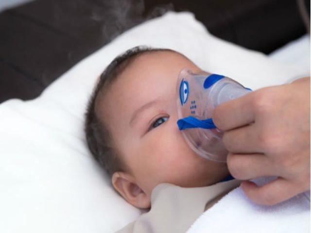 Cách phân biệt để tránh nhầm lẫn con bị cúm với nhiễm virus hợp bào hô hấp RSV