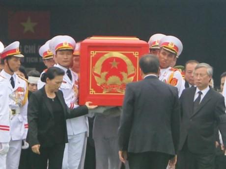 Toàn cảnh tiễn biệt Chủ tịch nước Trần Đại Quang về với đất mẹ