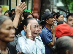 Hình ảnh xúc động người dân tiễn đưa Chủ tịch nước Trần Đại Quang
