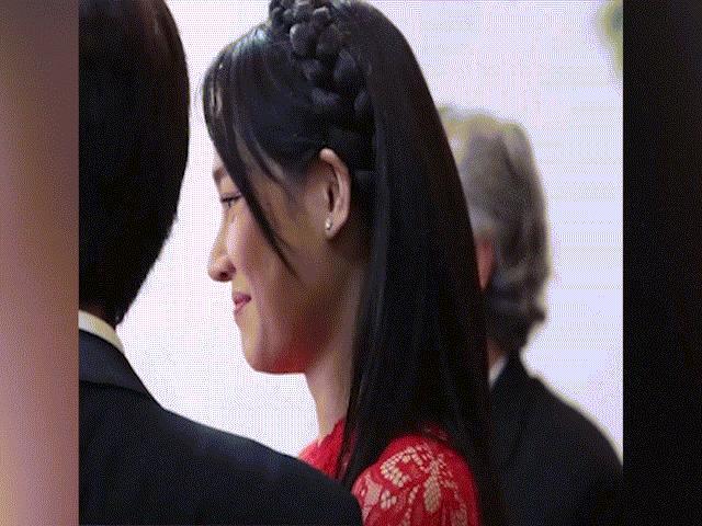 Ngày cưới được khen xinh đẹp, nhưng Nhã Phương vẫn để lộ bộ phận lão hóa sớm như U40