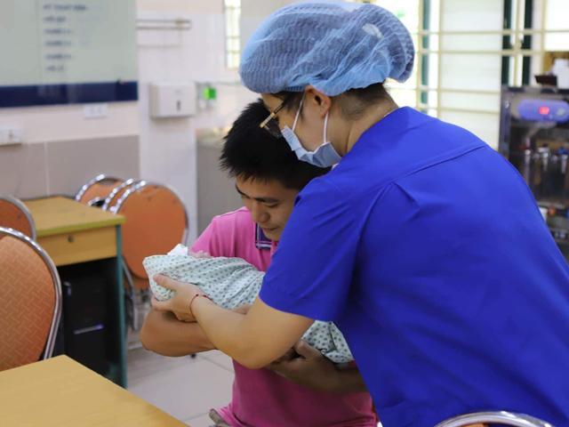 Mẹ Nam Định suy thận giai đoạn cuối vẫn sinh con khỏe mạnh như phép màu