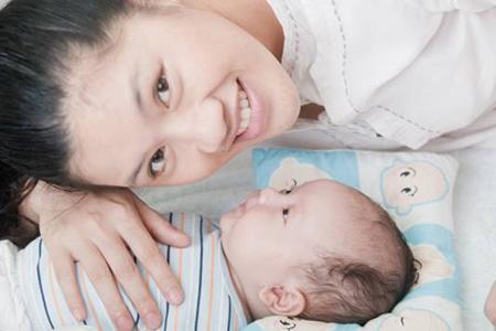 Cùng Huggies chia sẻ kinh nghiệm chăm sóc bé yêu - 2