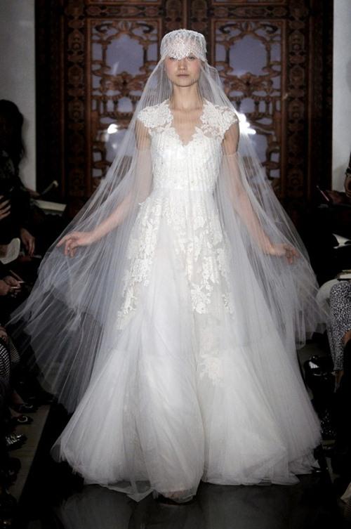 6 xu hướng váy cưới lộng lẫy nhất Bridal FW