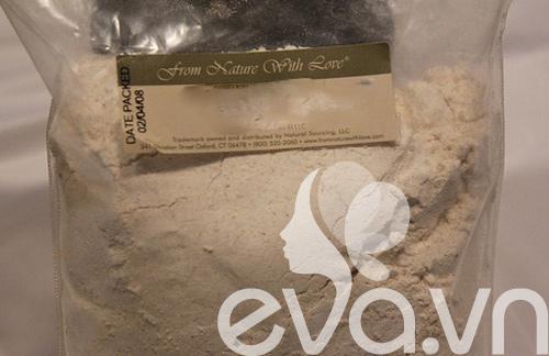 Trắng da với bột nghệ