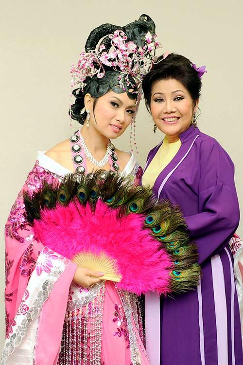 "ha phuong ""lay tron"" nuoc mat khan gia vn tai my - 13"