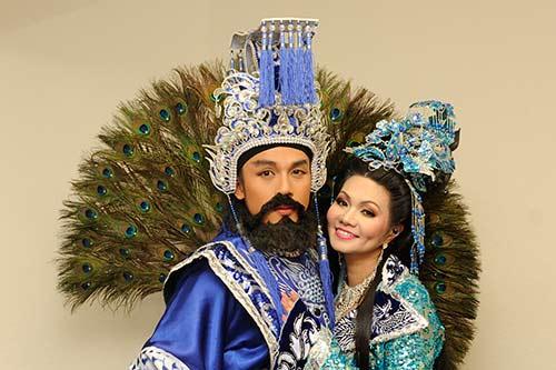 "ha phuong ""lay tron"" nuoc mat khan gia vn tai my - 5"