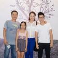 Làng sao - Anna Trương giản dị xem hòa nhạc cùng bố