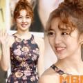 Làng sao - Yoon Eun Hye bị chê già vì tóc xoăn
