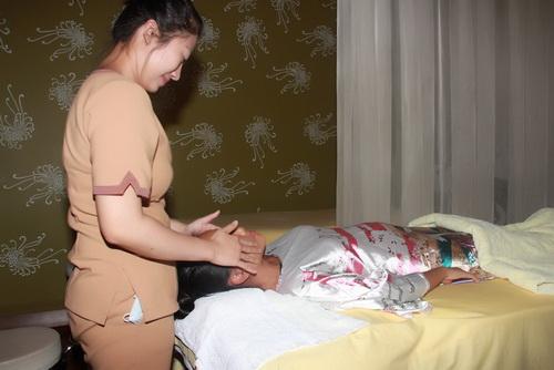 doan trang vác bụng bàu 4 tháng di spa - 16