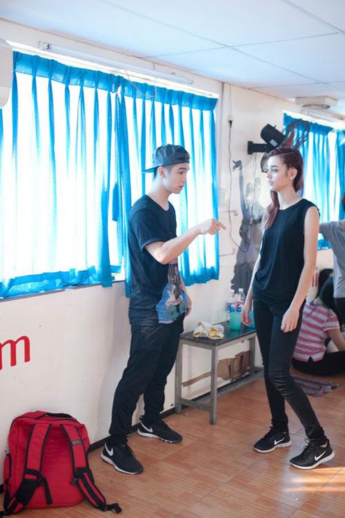 cuong seven yeu hotgirl lai phap? - 1