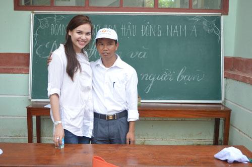 """dieu han chung to """"hoa hau khong son phan"""" - 11"""