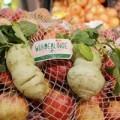 Mua sắm - Giá cả - Siêu thị châu Âu bán rau quả xấu xí