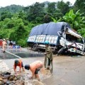 Tin tức - Tai nạn xe tải, 4 người chết ngay trên cabin