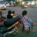 Tin tức - 'Cò' vé tàu Tết nhan nhản ở ga Sài Gòn