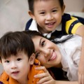 Làm mẹ - Con Kim Thư Phước Sang đẹp như thiên thần