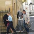 Tin tức - Pháp: Bé sơ sinh bị mẹ bỏ đói trong cốp xe