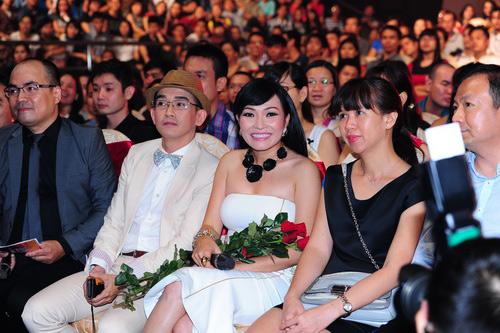 phuong thanh sẽ sinh con trai trong nam 2014 - 19