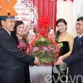 Làng sao - Bố mẹ Đăng Khôi trao lễ vật cho nhà gái