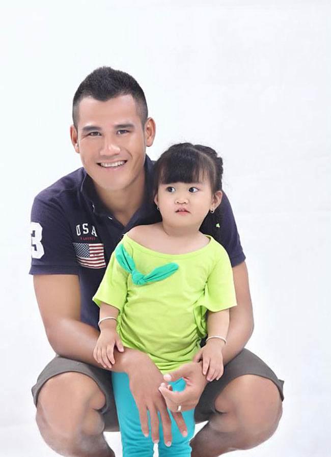 Ngắm con gái Phan Thanh Bình  & quot;xinh như hoa & quot;