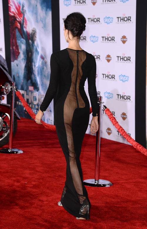Candice Swanepoel lộng lẫy bên áo ngực triệu đô-14